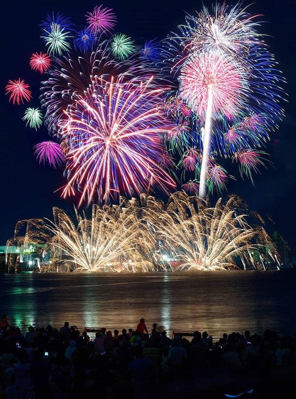 姫路港開港60周年記念 第41回姫路みなと祭海上花火大会