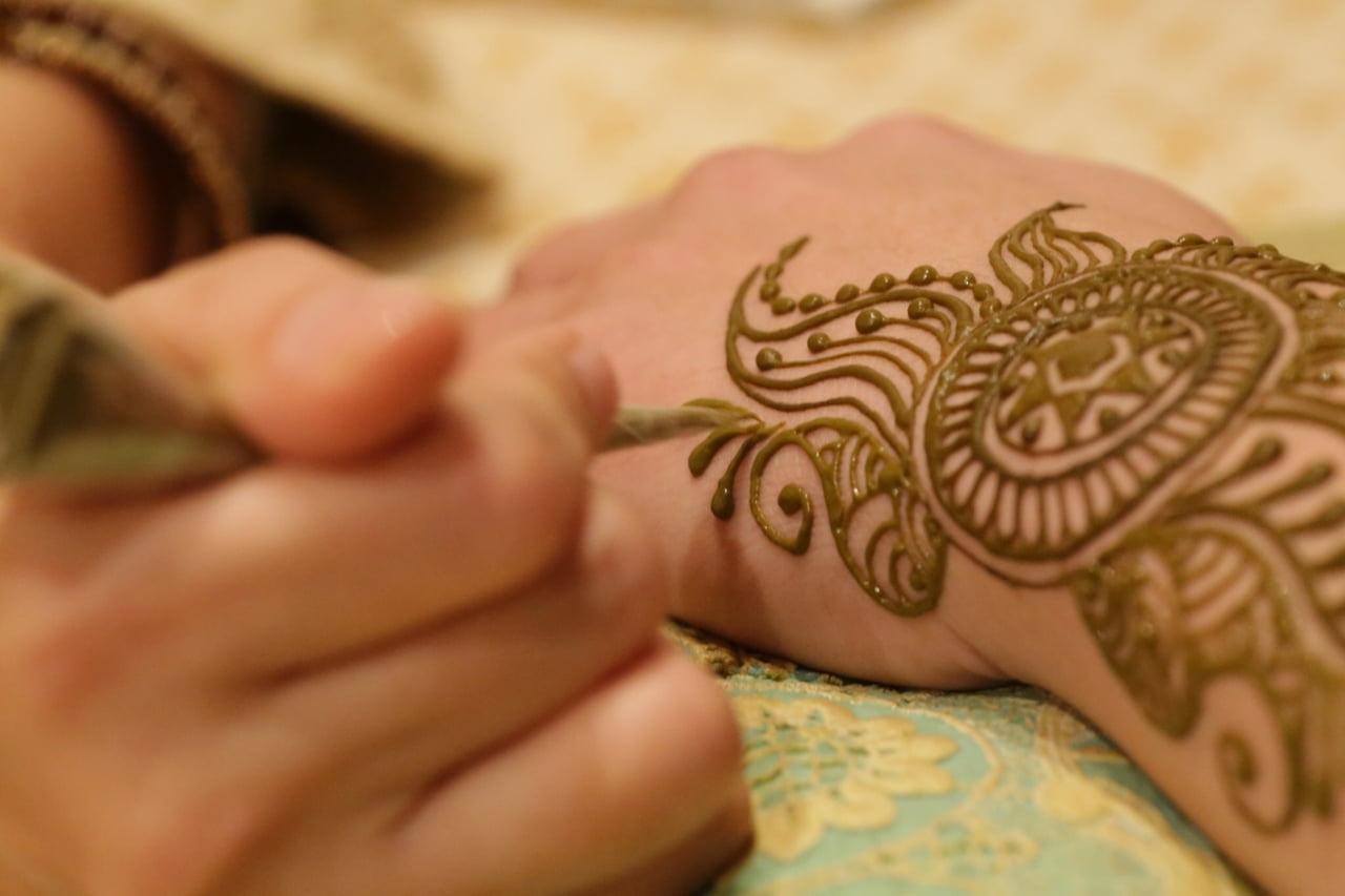 【姫路】消えるタトゥー?!じわじわ人気を集めているヘナアート(メヘンディ)を体験◎これから流行る予感♡