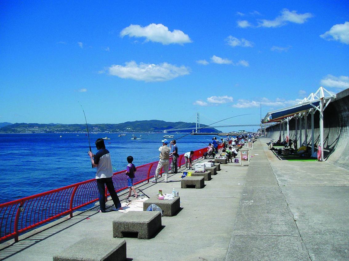 【神戸~姫路】公営海釣り施設!初心者にもおすすめ、親子で簡単に釣り体験