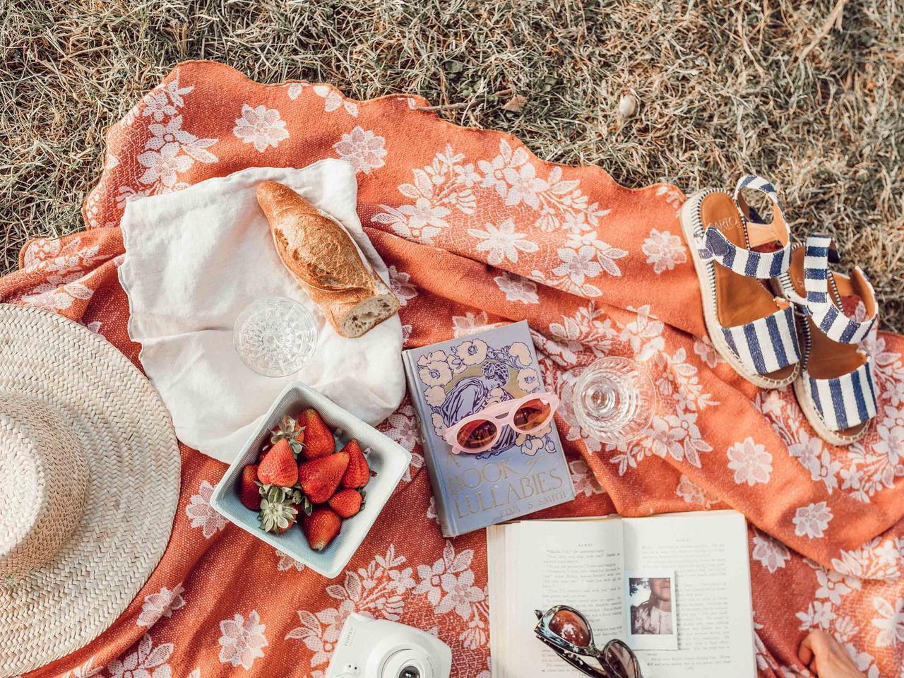 Instagramで「おしゃピク」がブーム!海や公園でおしゃれにピクニックしよう